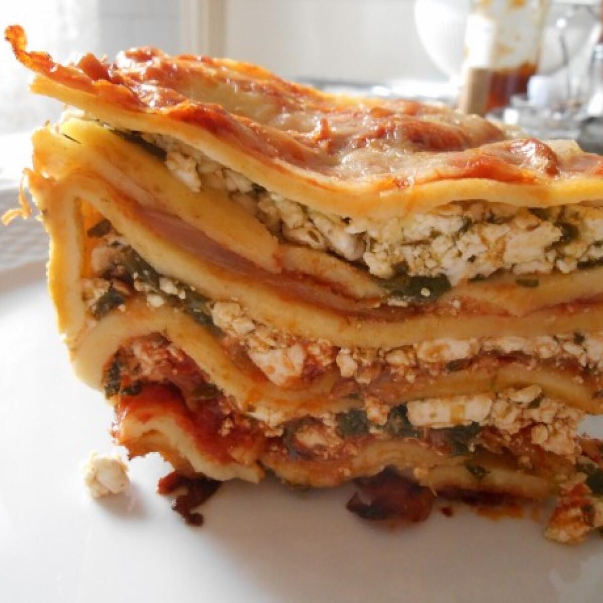 Paradicsomos-túrós lasagne