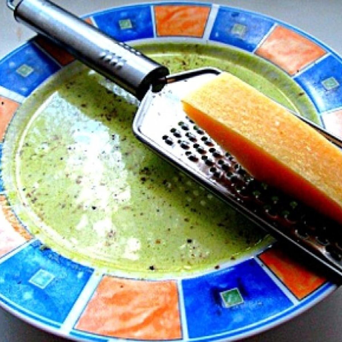 Ezen a képen: Spárgakrémleves lordgomba konyhájából