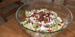 Baconös-tojásos avokádó-saláta