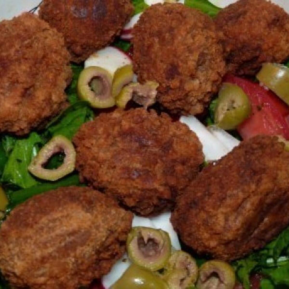 Ezen a képen: Spenótos rukkola saláta csípős fasírttal