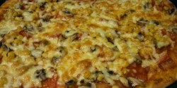 Gombás pizza Hajnal módra