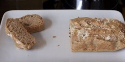 Gluténmentes paleo kenyér-szezámlisztből