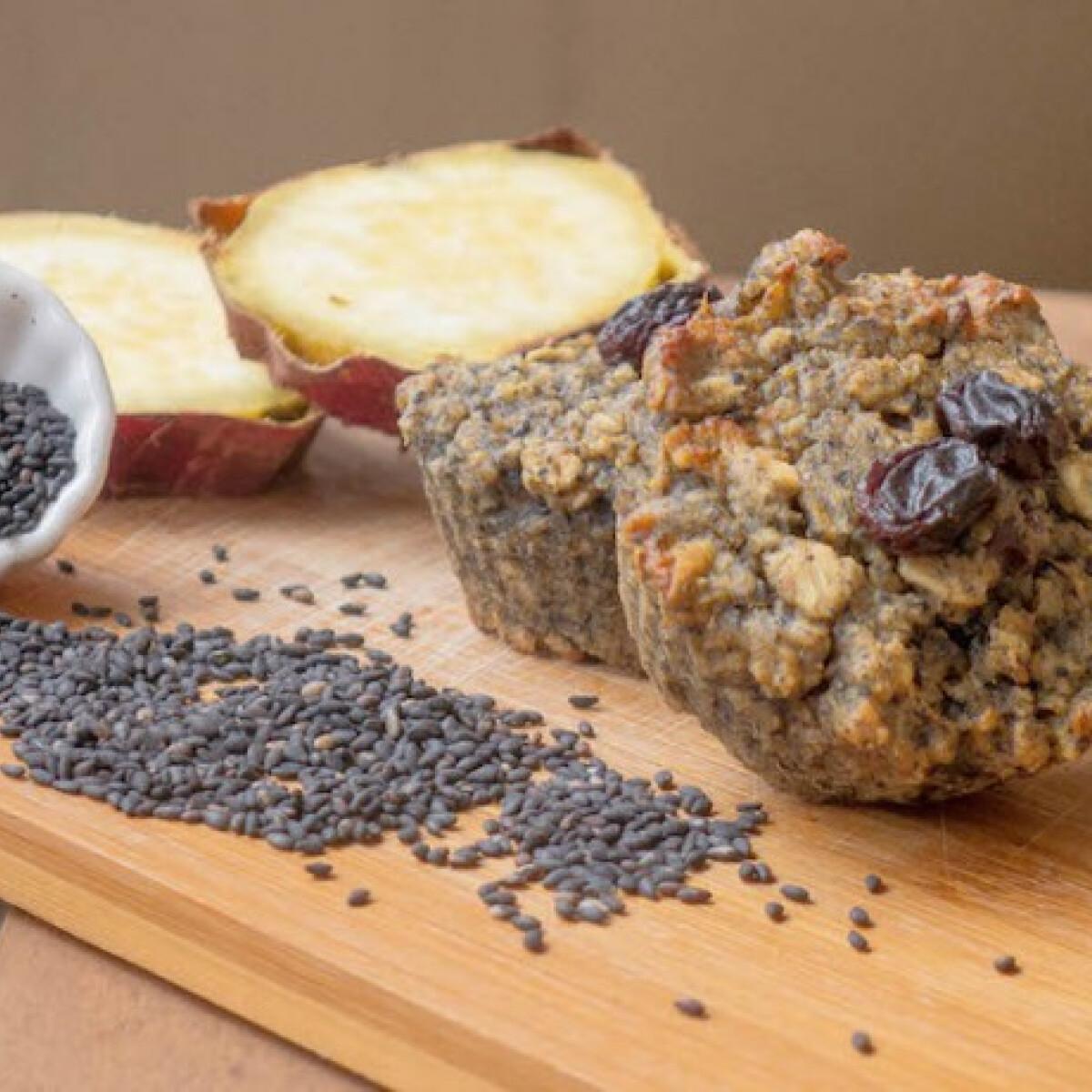 Ezen a képen: Fekete szezámmagos cukormentes édesburgonya muffin