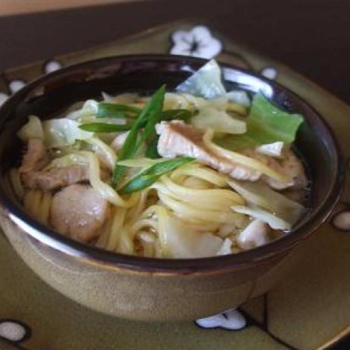 Ezen a képen: Hosszú leves