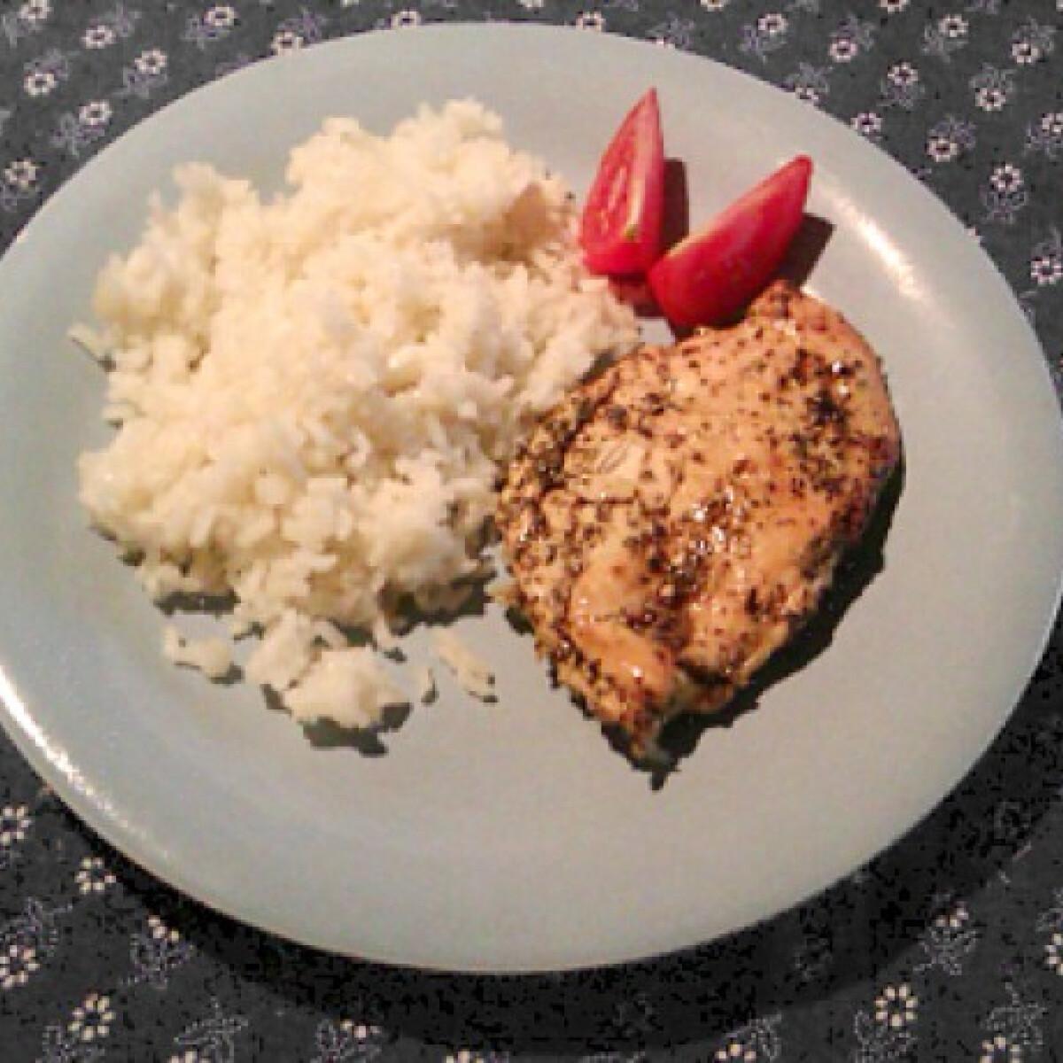 Ezen a képen: Tökmagolajban pácolt csirkemell