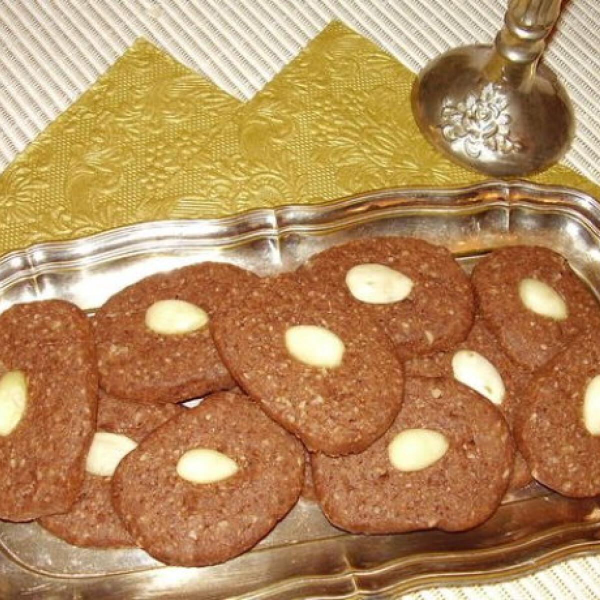 Ezen a képen: Adventi mandulás keksz