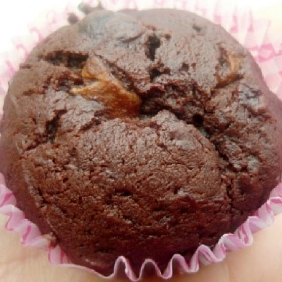 Baracklekváros-kakaós-meggyes muffin
