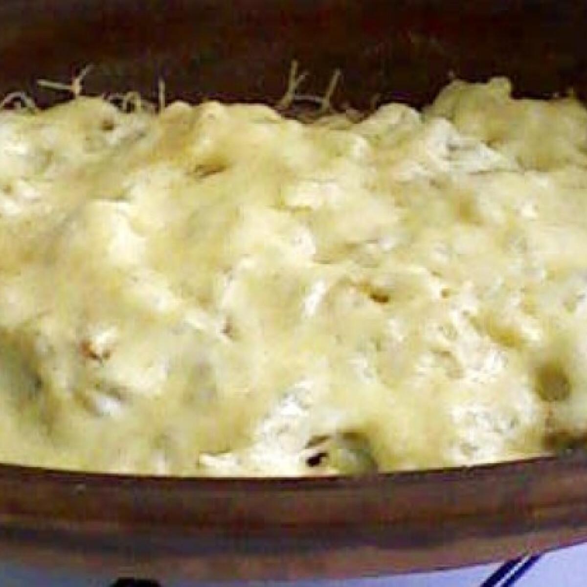 Rakott karfiol csirkemellel és zöldbabbal