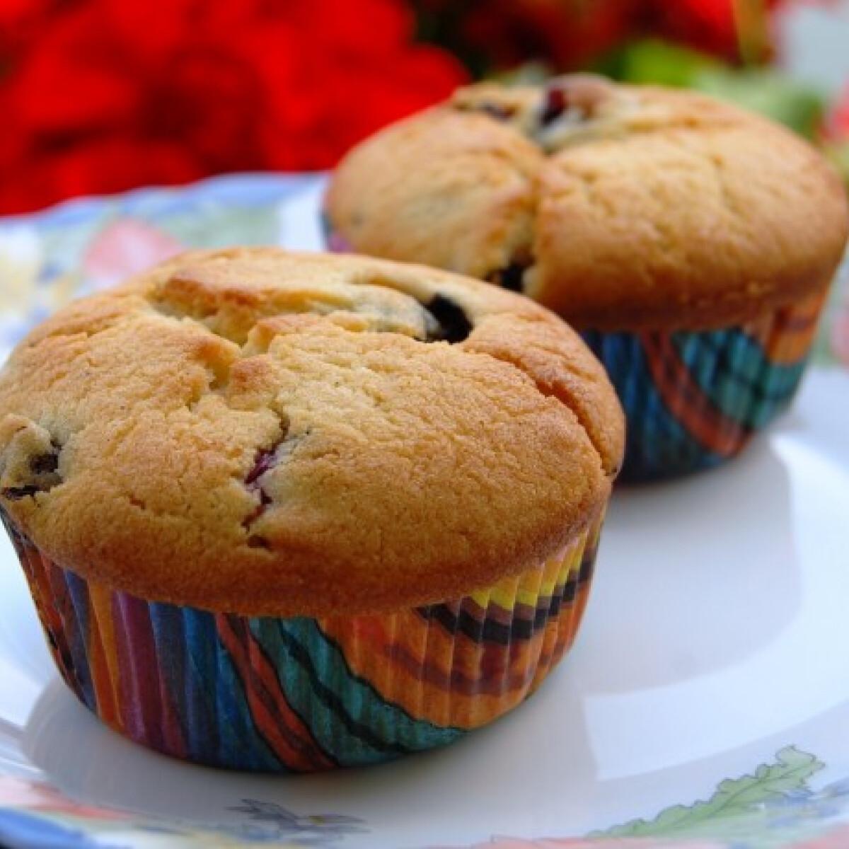 Áfonyás-írós muffin