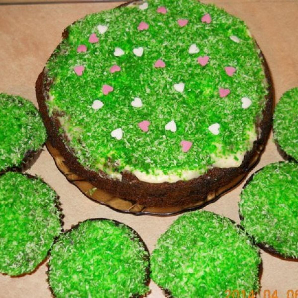 Ezen a képen: Répatorta és muffin