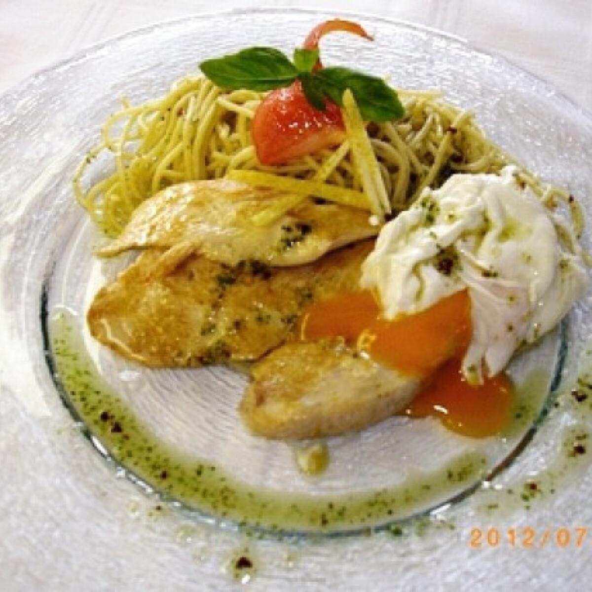 Ezen a képen: Roston sült csirkemell Jenő chef konyhájából