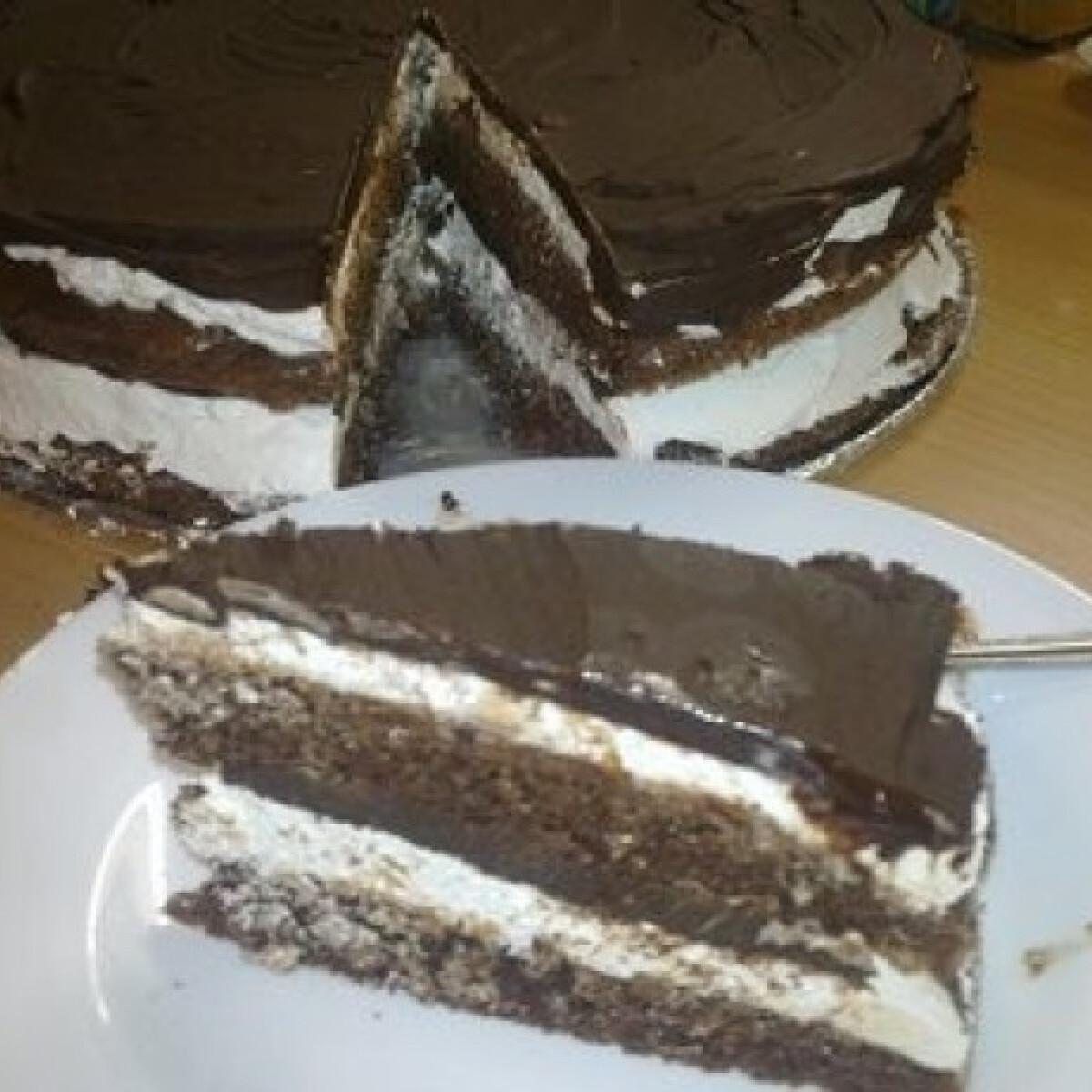 Ezen a képen: Kinder pingui torta