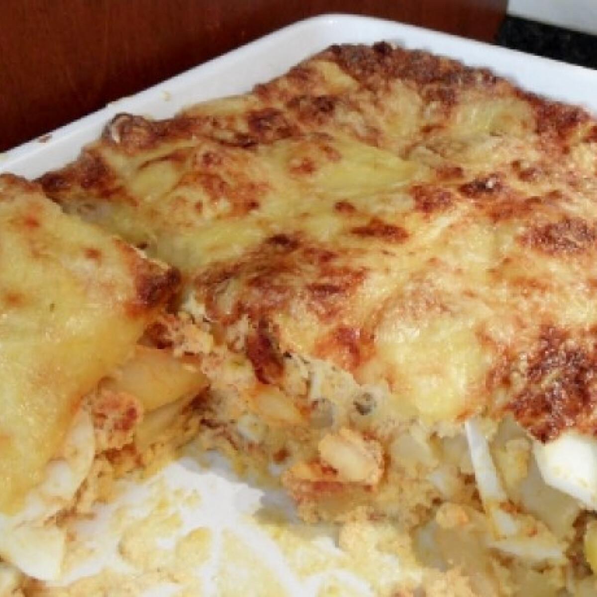 Ezen a képen: Rakott krumpli Ntakacsolga konyhájából