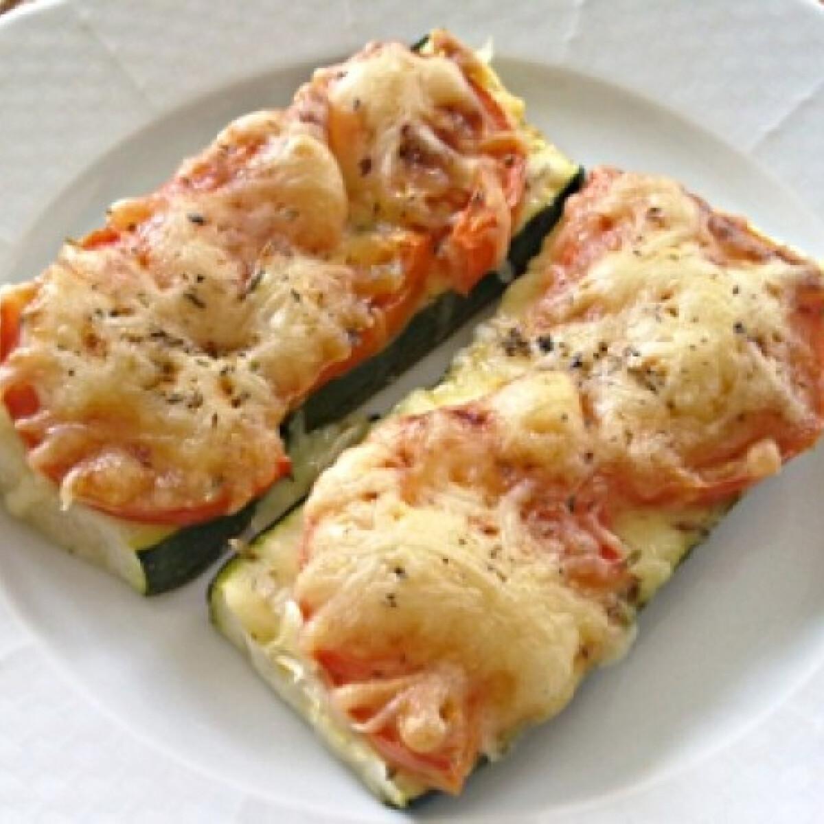 Ezen a képen: Cukkini-szendvics