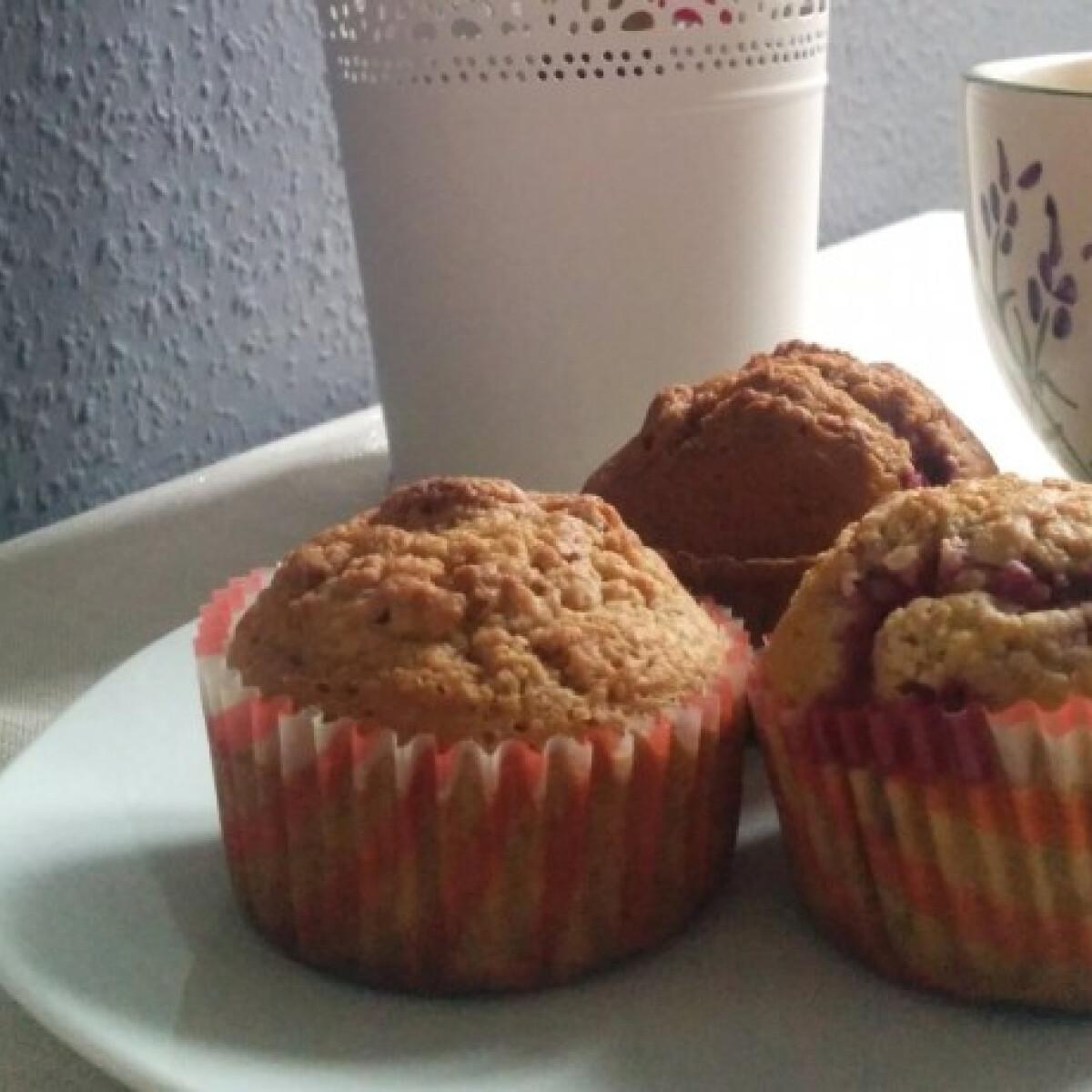 Ezen a képen: Teljes kiőrlésű citromos-málnás muffin cukormentesen