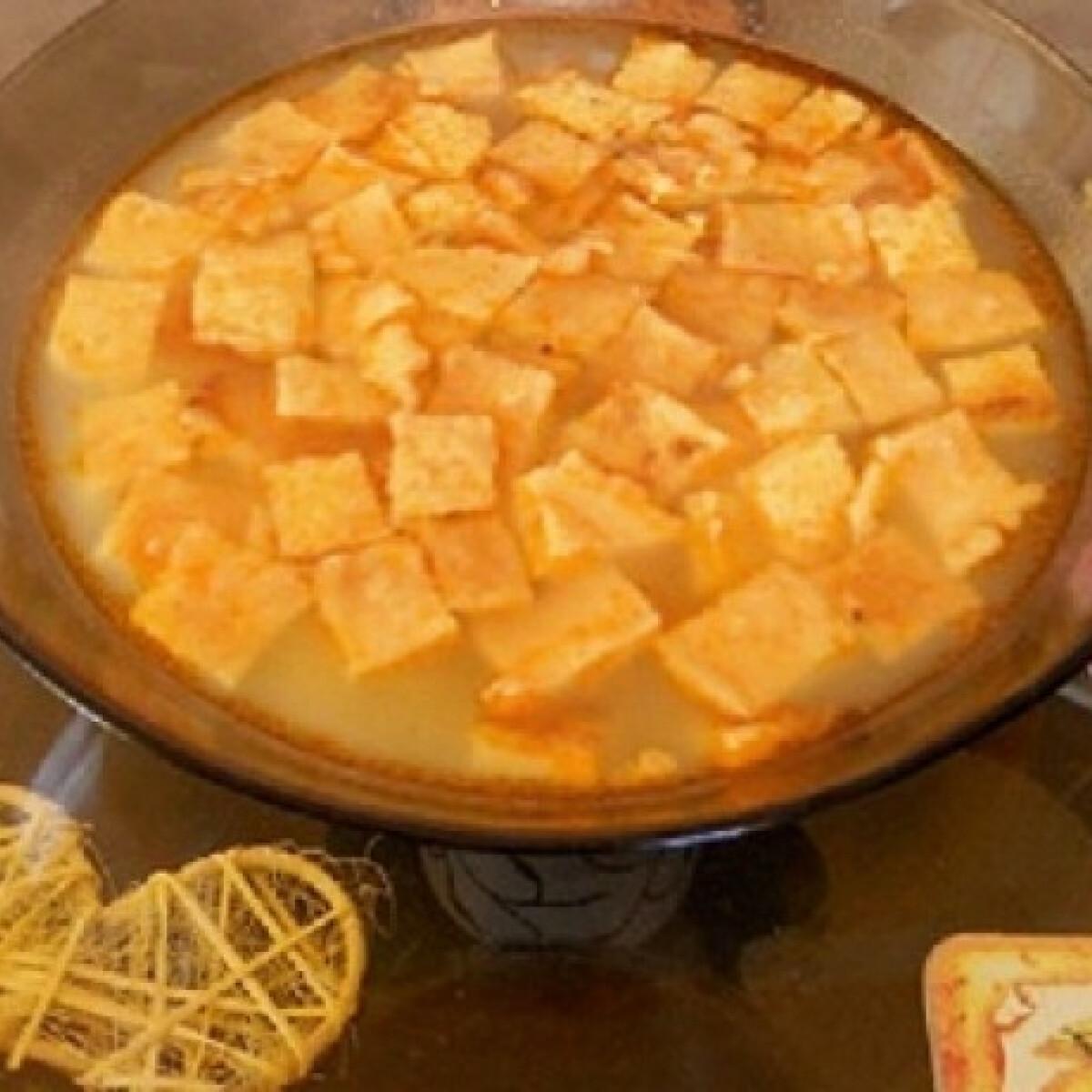 Ezen a képen: Rántottás leves