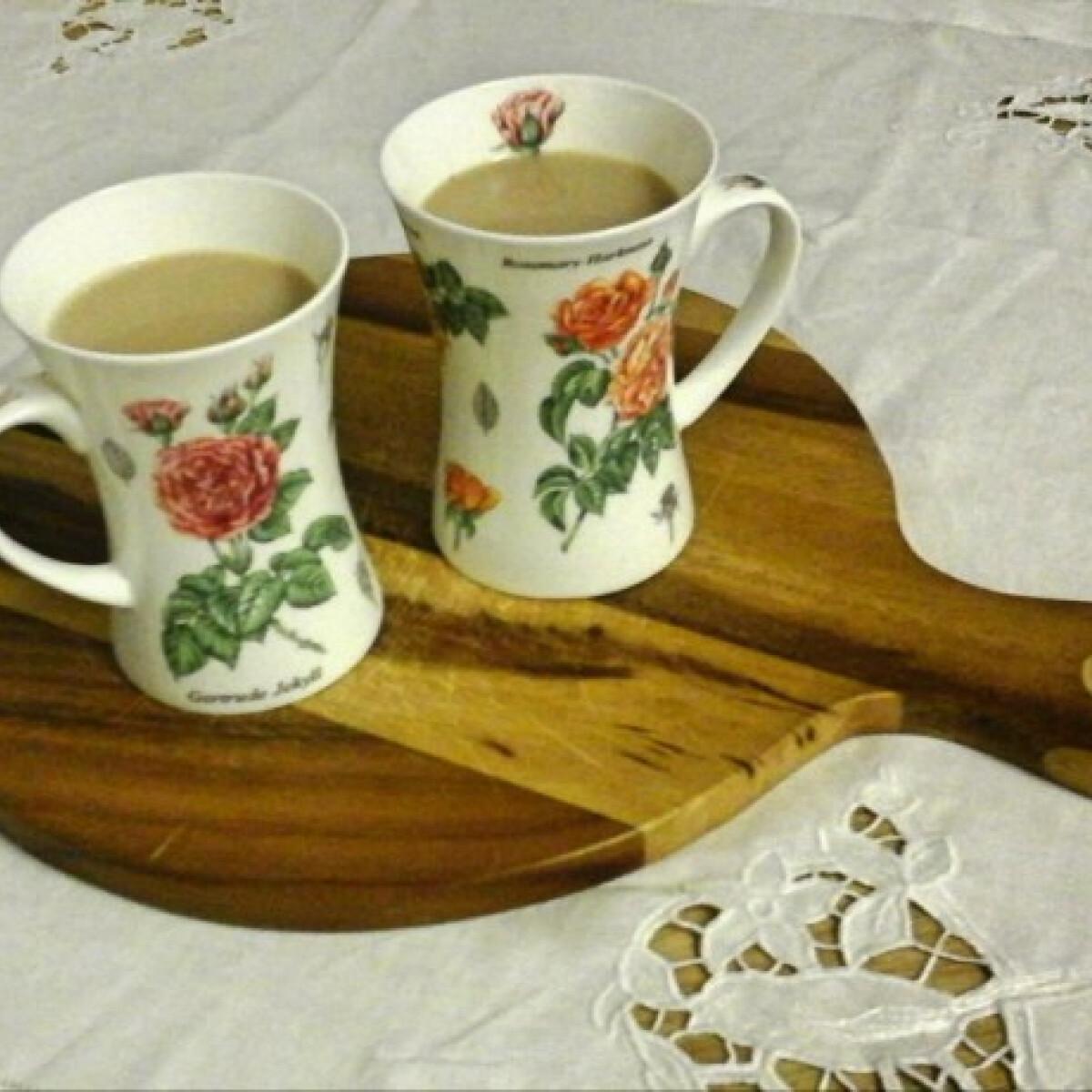 Ezen a képen: Karácsonyi angol tea