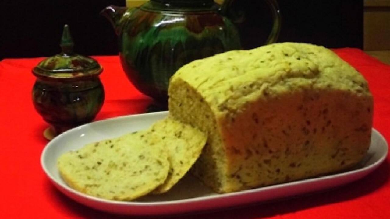 Sokmagvas kenyér kenyérsütőgéppel
