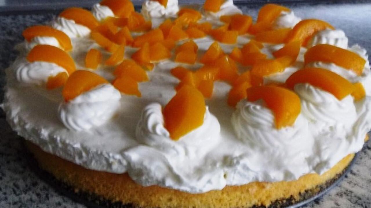 Túrós-barackos torta Zsuzsitól