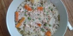 Tejszínes-tárkonyos csirkeragu leves
