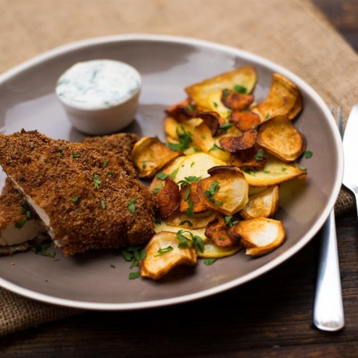 Ezen a képen: Citromos rántott csirke zöldségchipsszel és zöldfűszeres mártogatóssal