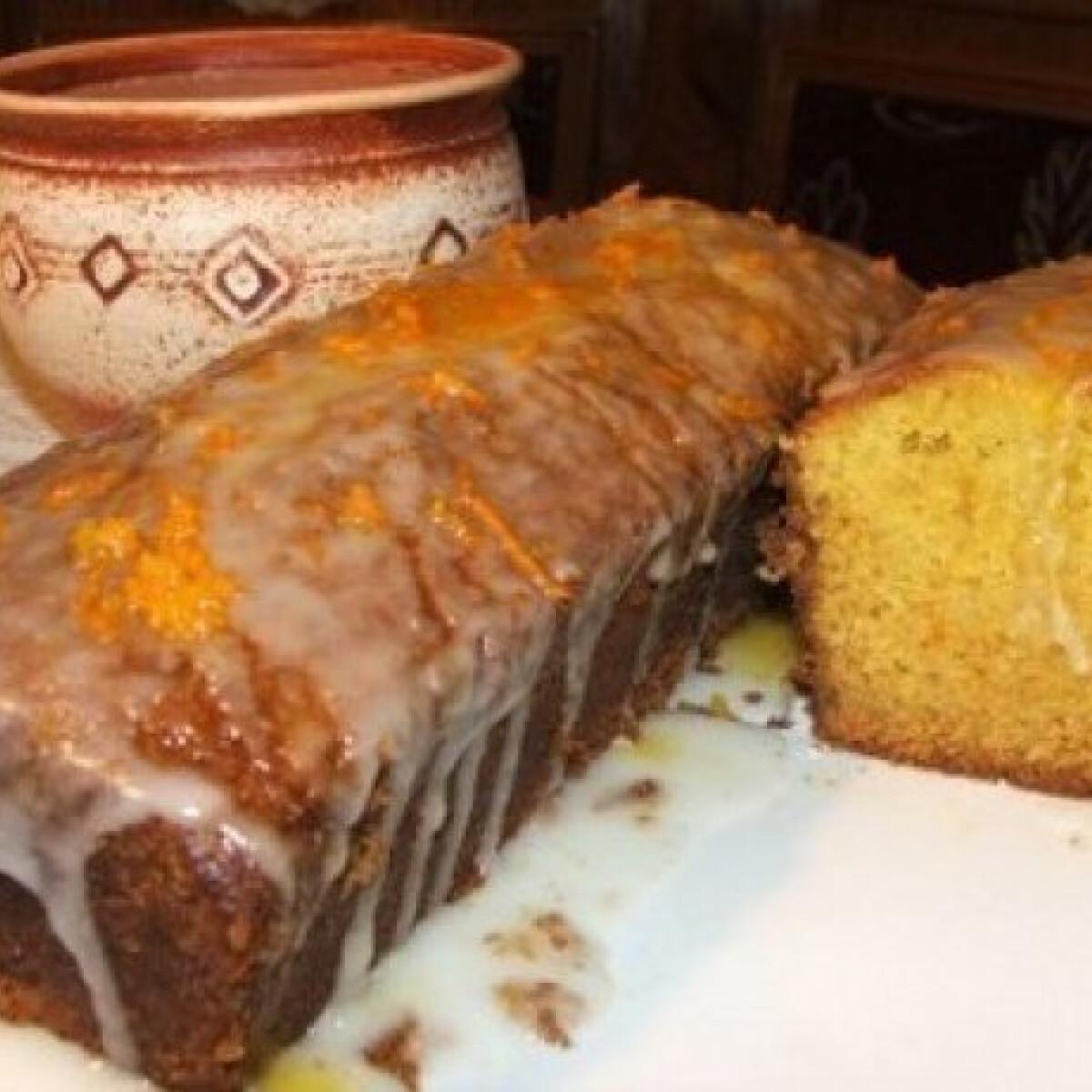 Ezen a képen: Narancsszirupos-narancsos süti