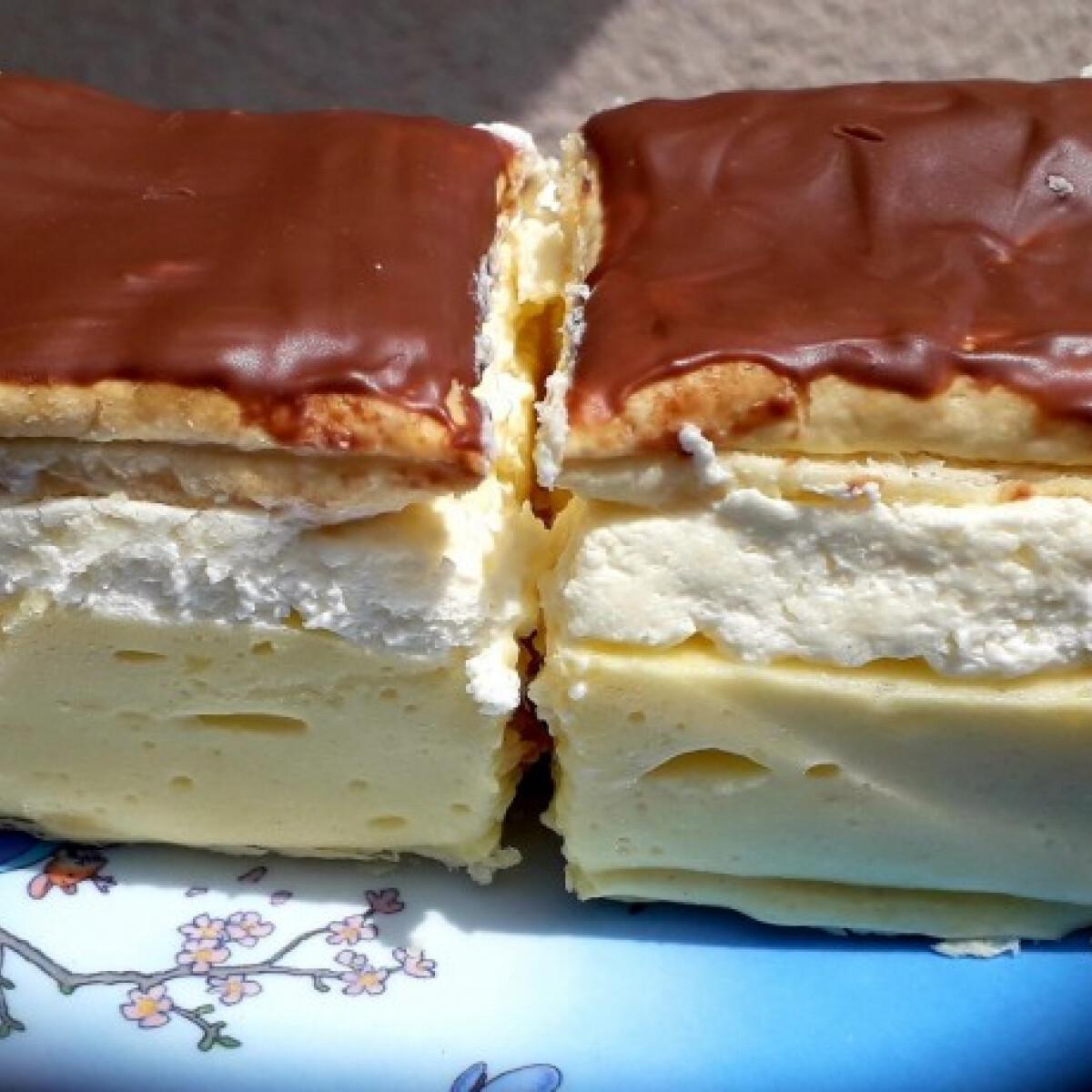 Ezen a képen: Házi francia krémes SweetSzenilla konyhájából