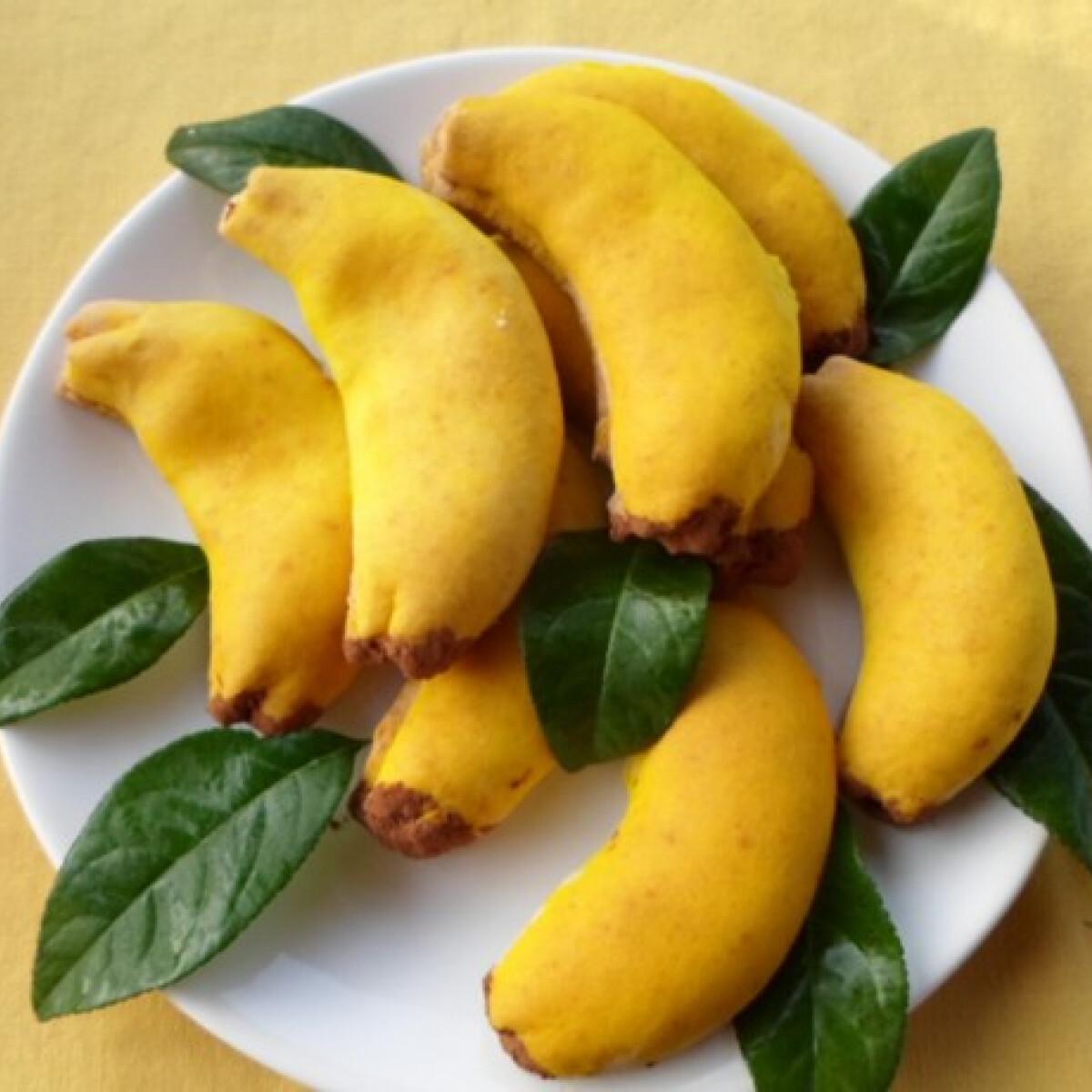 Túrókrémmel töltött banánocskák