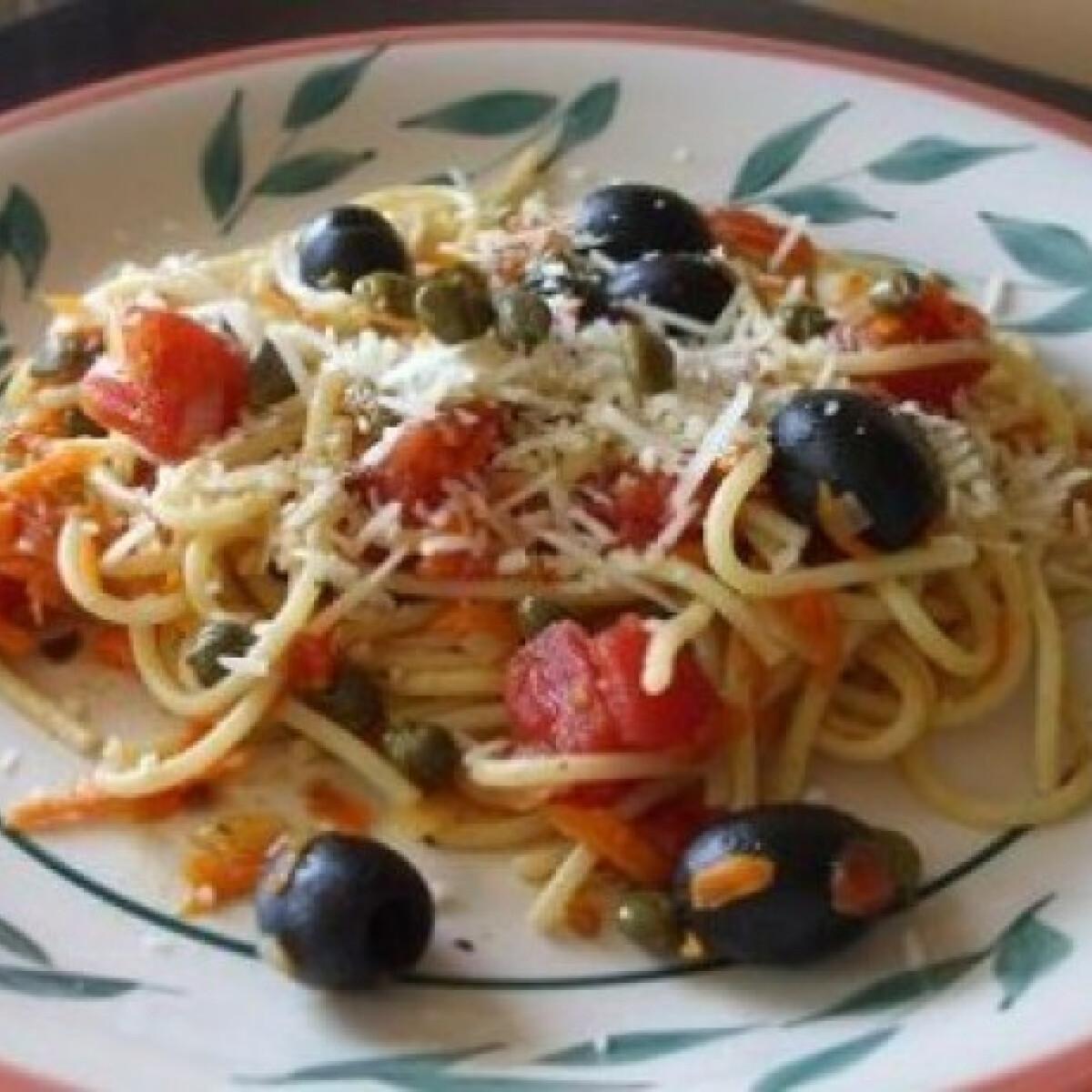 Ezen a képen: Spagetti olajbogyóval