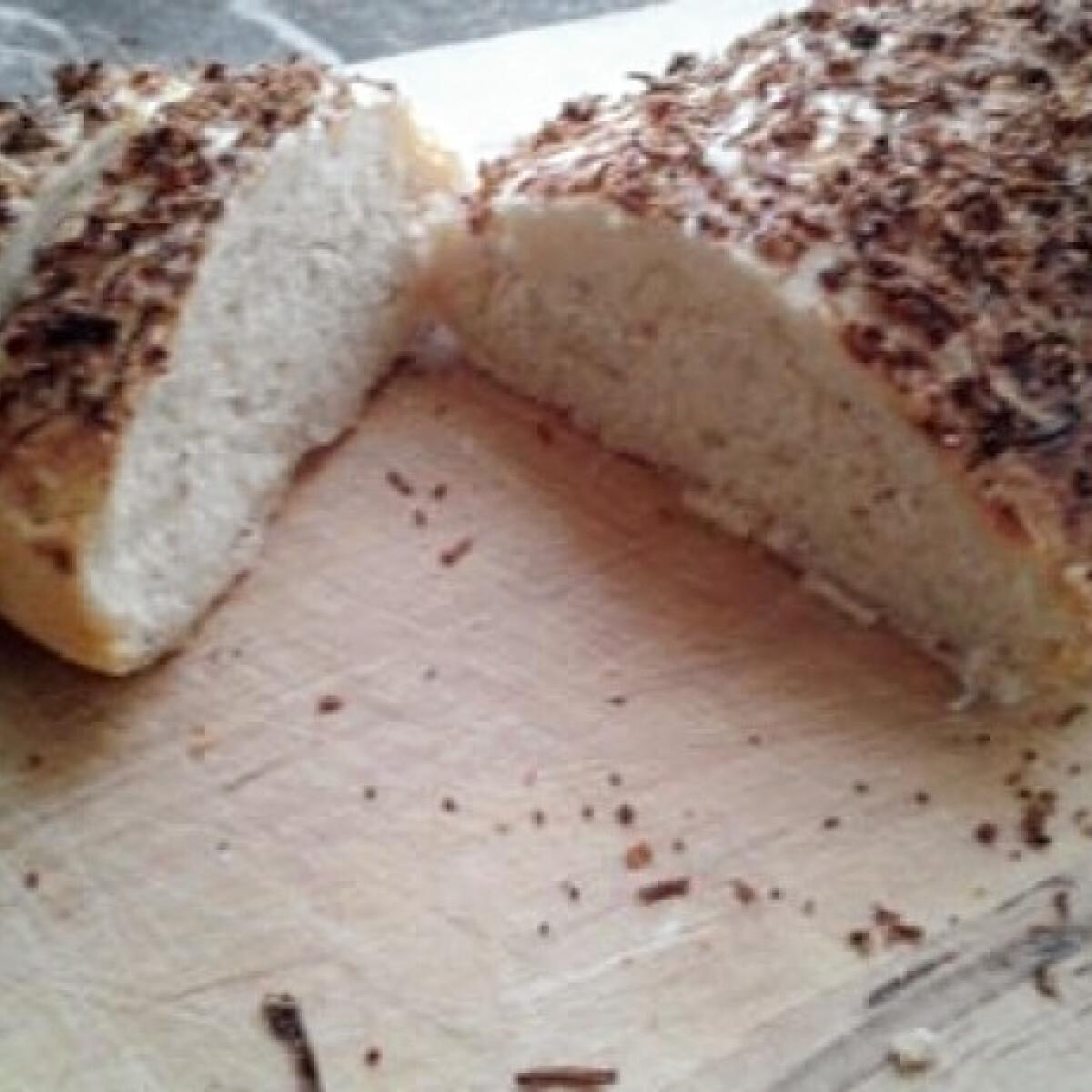 Ezen a képen: Sajttal szórt kenyér