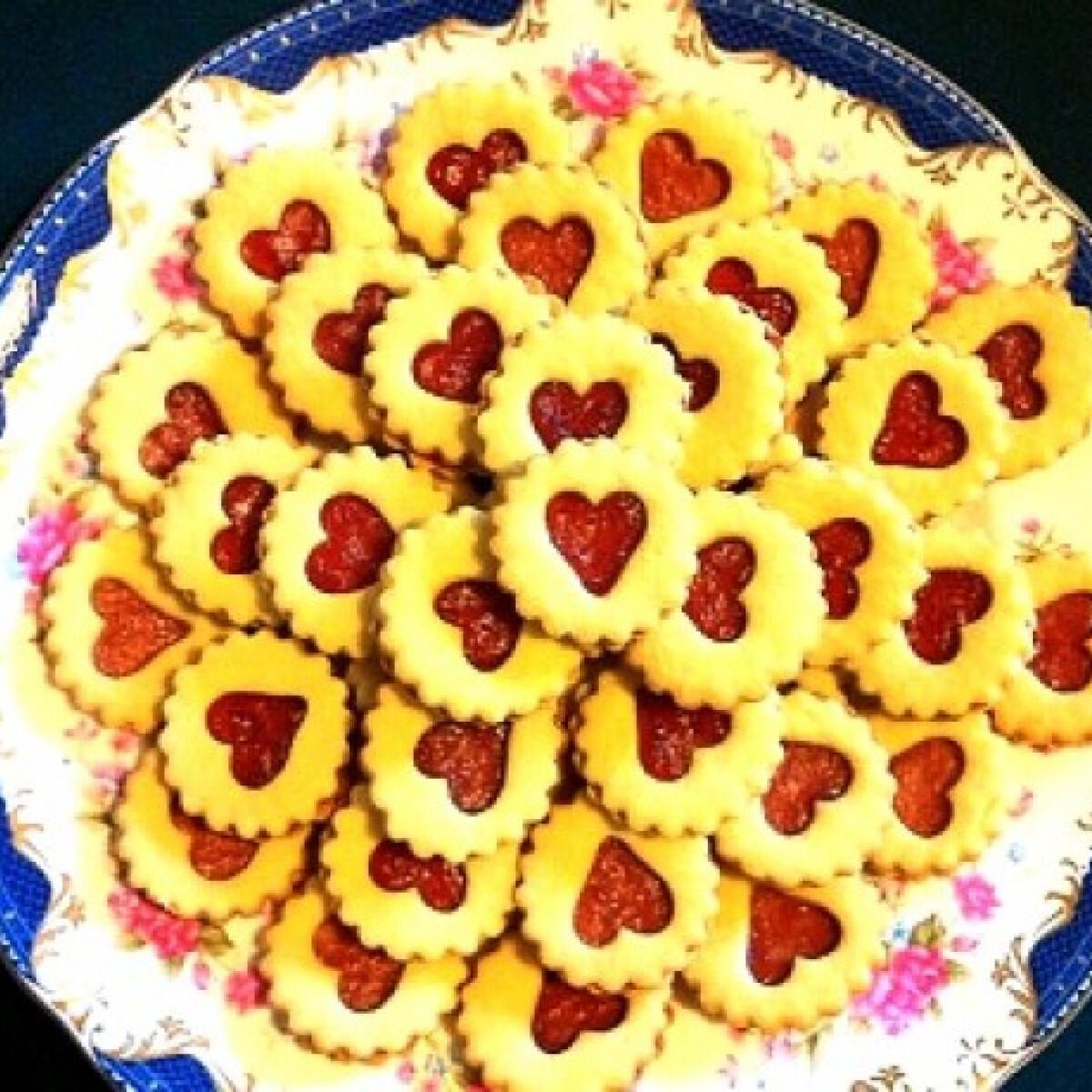 Ezen a képen: Linzer szívecskék