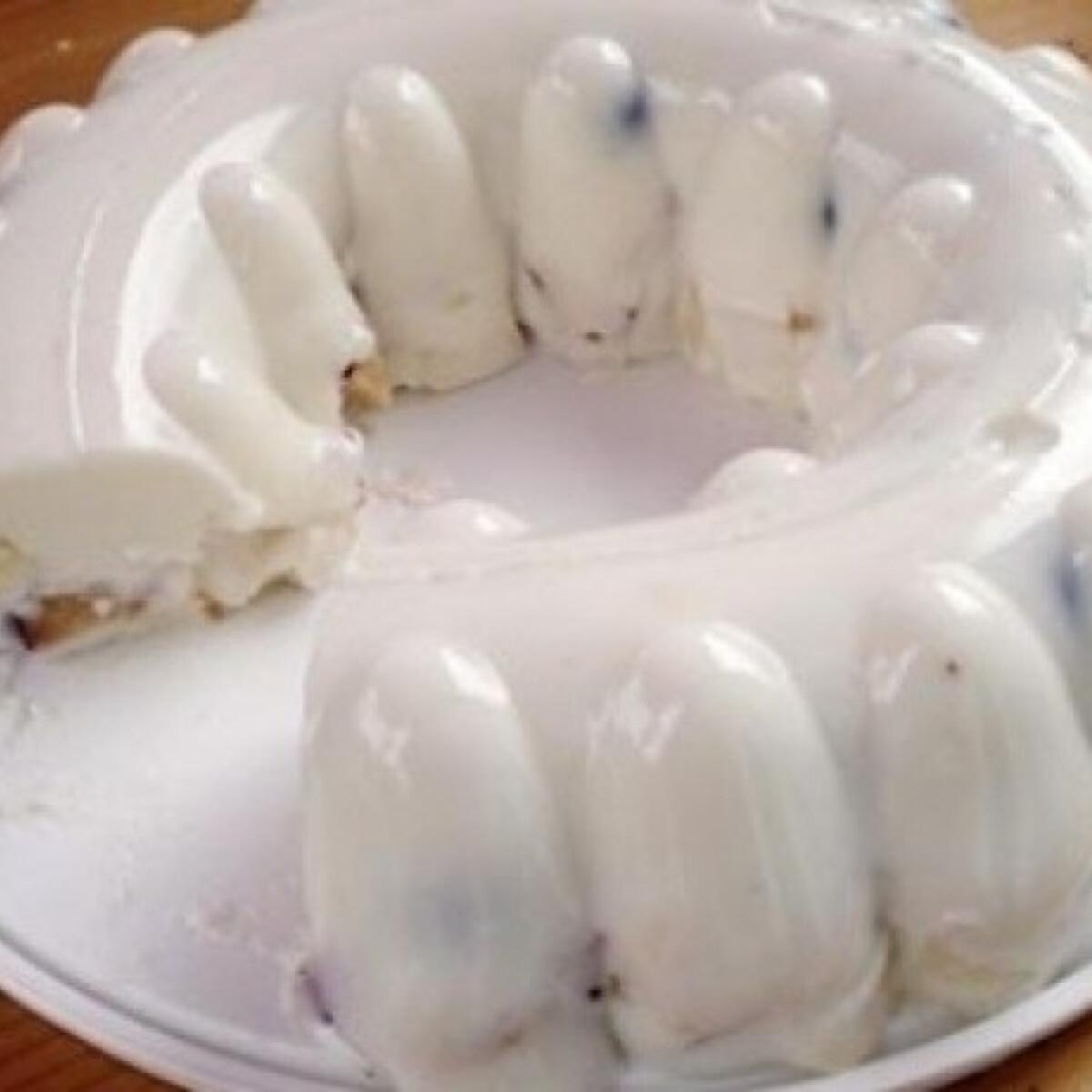 Ezen a képen: Joghurttorta sütés nélkül 1.