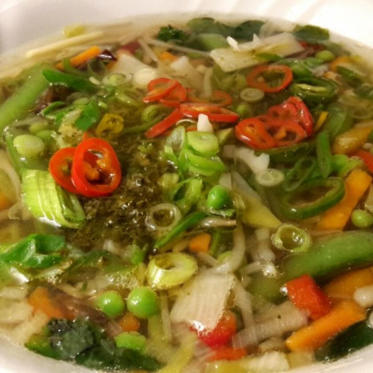 Ezen a képen: Vietnámi Pho leves marhából