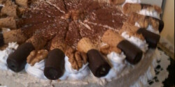 Tejszínes diókrémes torta