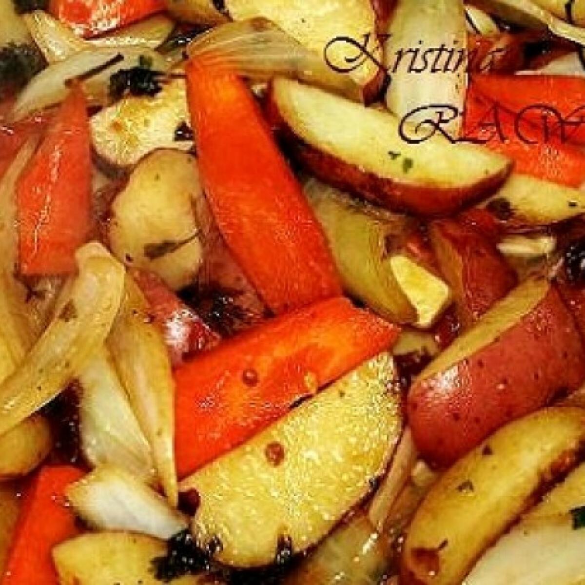 Ezen a képen: Vegyes zöldség grillen sütve