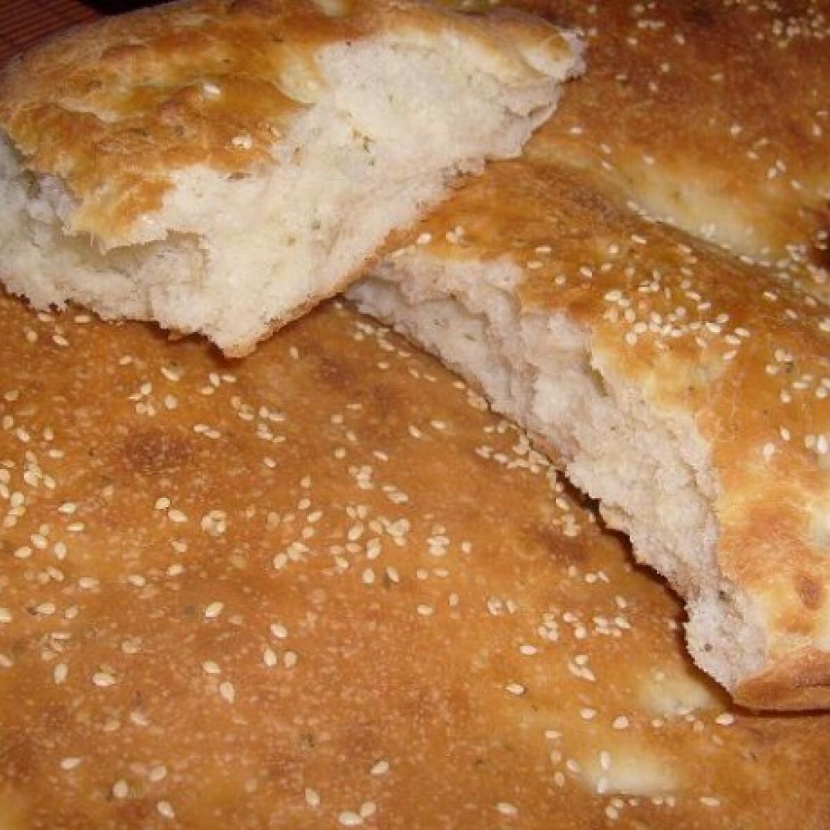 Ezen a képen: Lapos kenyér Jolántól