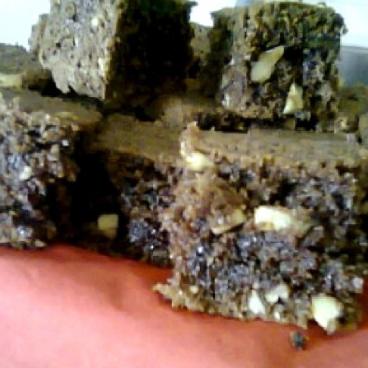 Ezen a képen: Csokis-diós szelet Yoffi konyhájából
