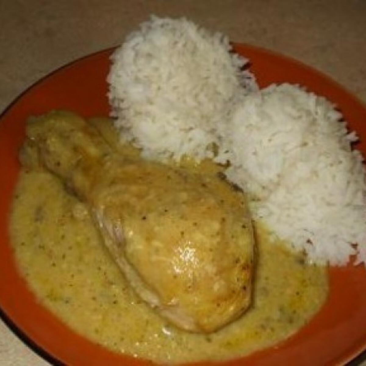 Curry-s joghurtban pácolt csirkecomb