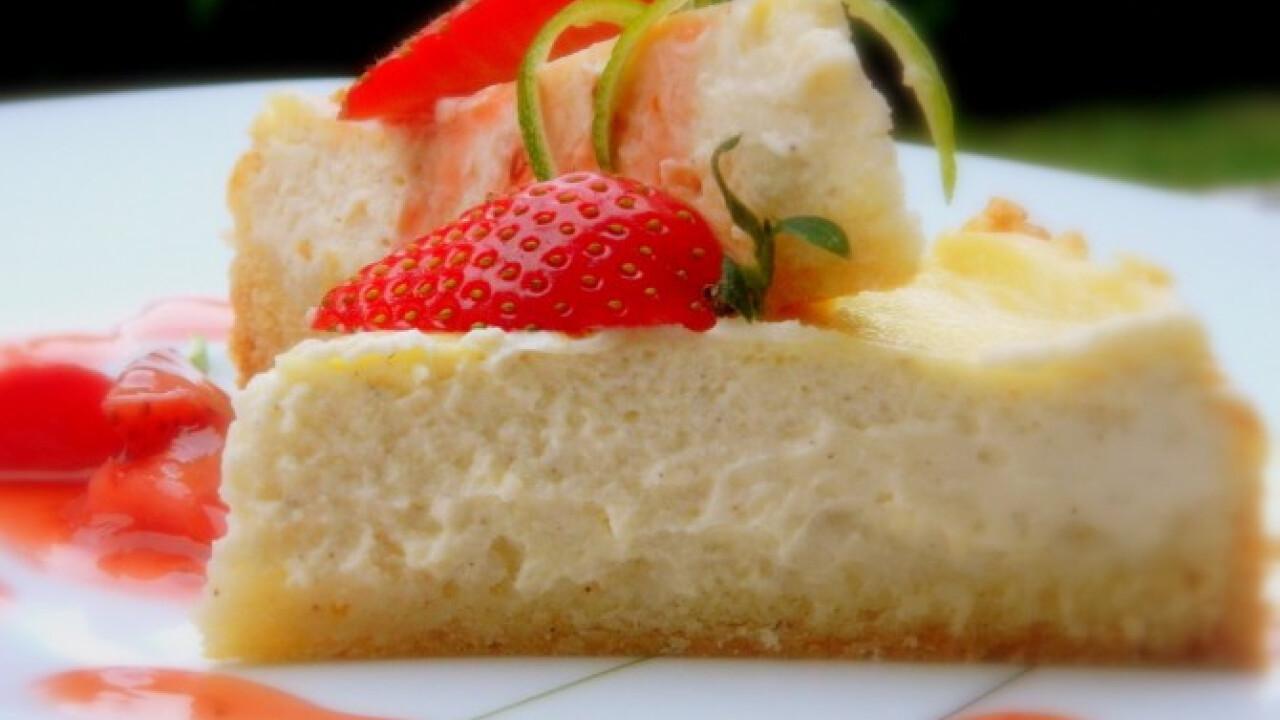 Vaníliás sajttorta lime-os eperraguval
