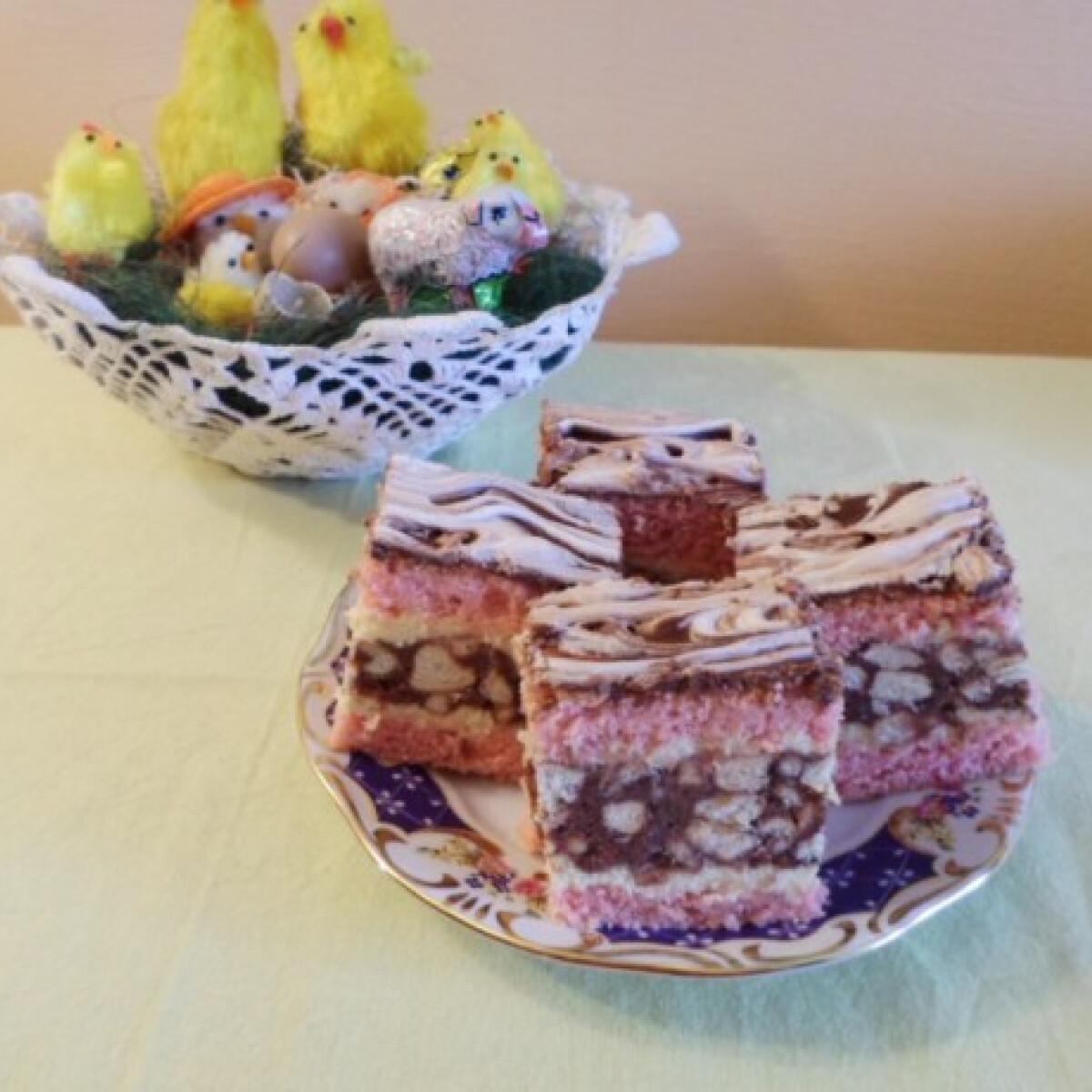 Ezen a képen: Gesztenyés-kekszes-pudingos szelet