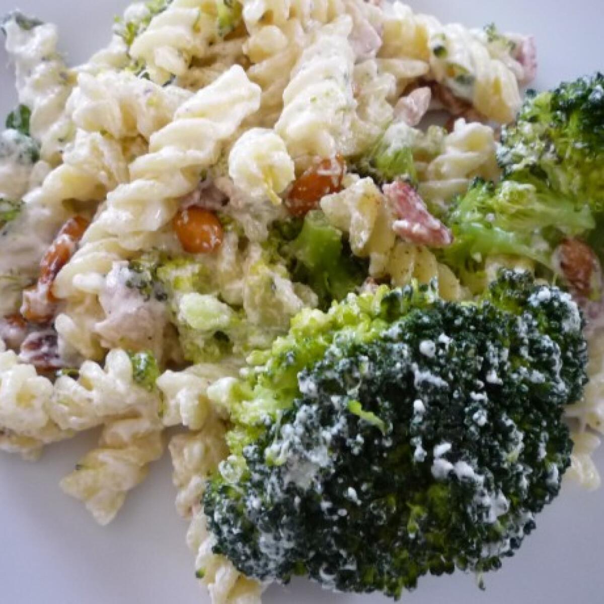 Ezen a képen: Brokkolis tészta Pogácsa konyhájából