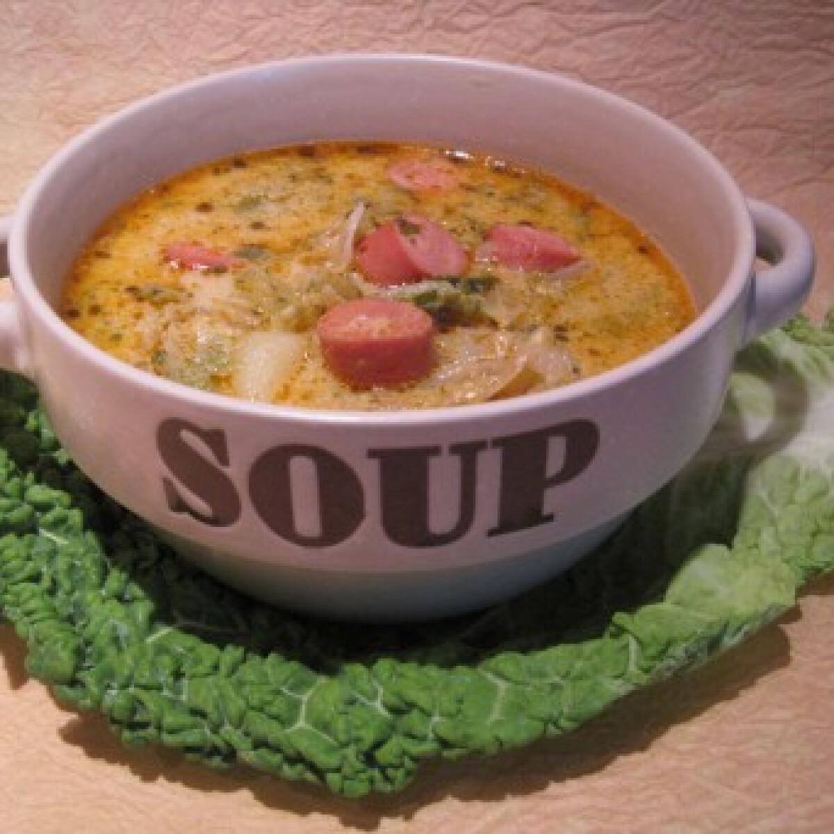 Ezen a képen: Frankfurti leves Katharosz konyhájából
