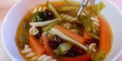 Minestrone leves savanykásan