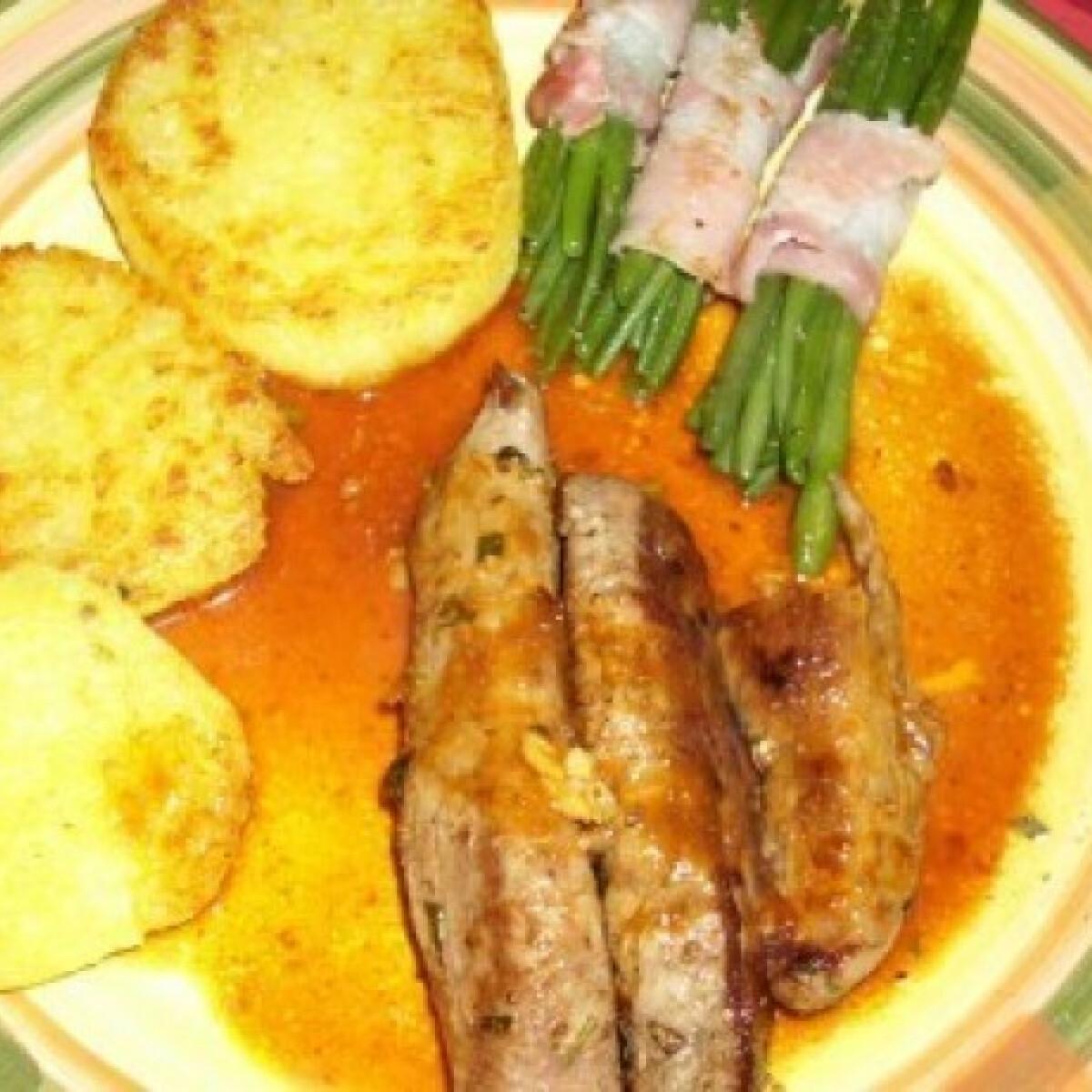 Ezen a képen: Bárányfilé baconös zöldbabbal