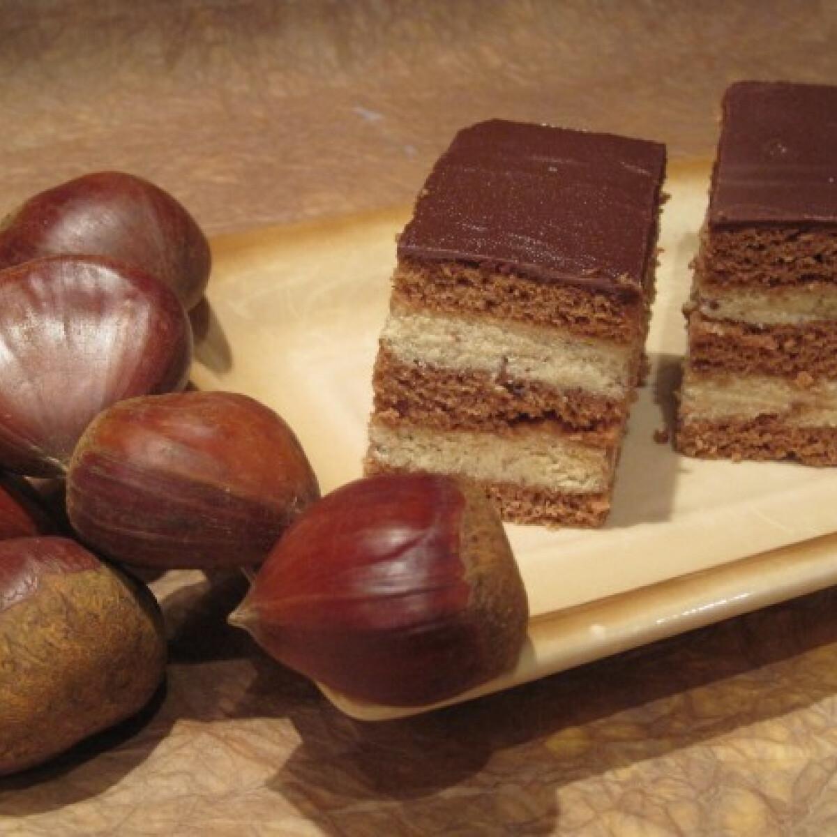 Ezen a képen: Gesztenyés-mézes krémes Katharosz konyhájából