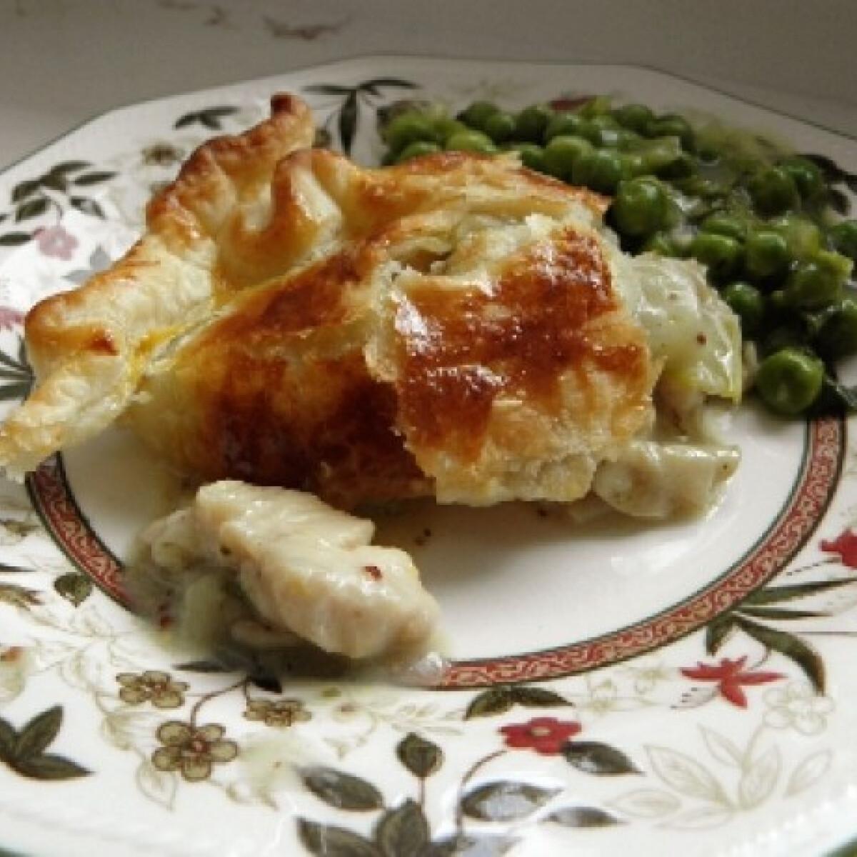 Gombás-csirkés pite mentás zöldborsóval