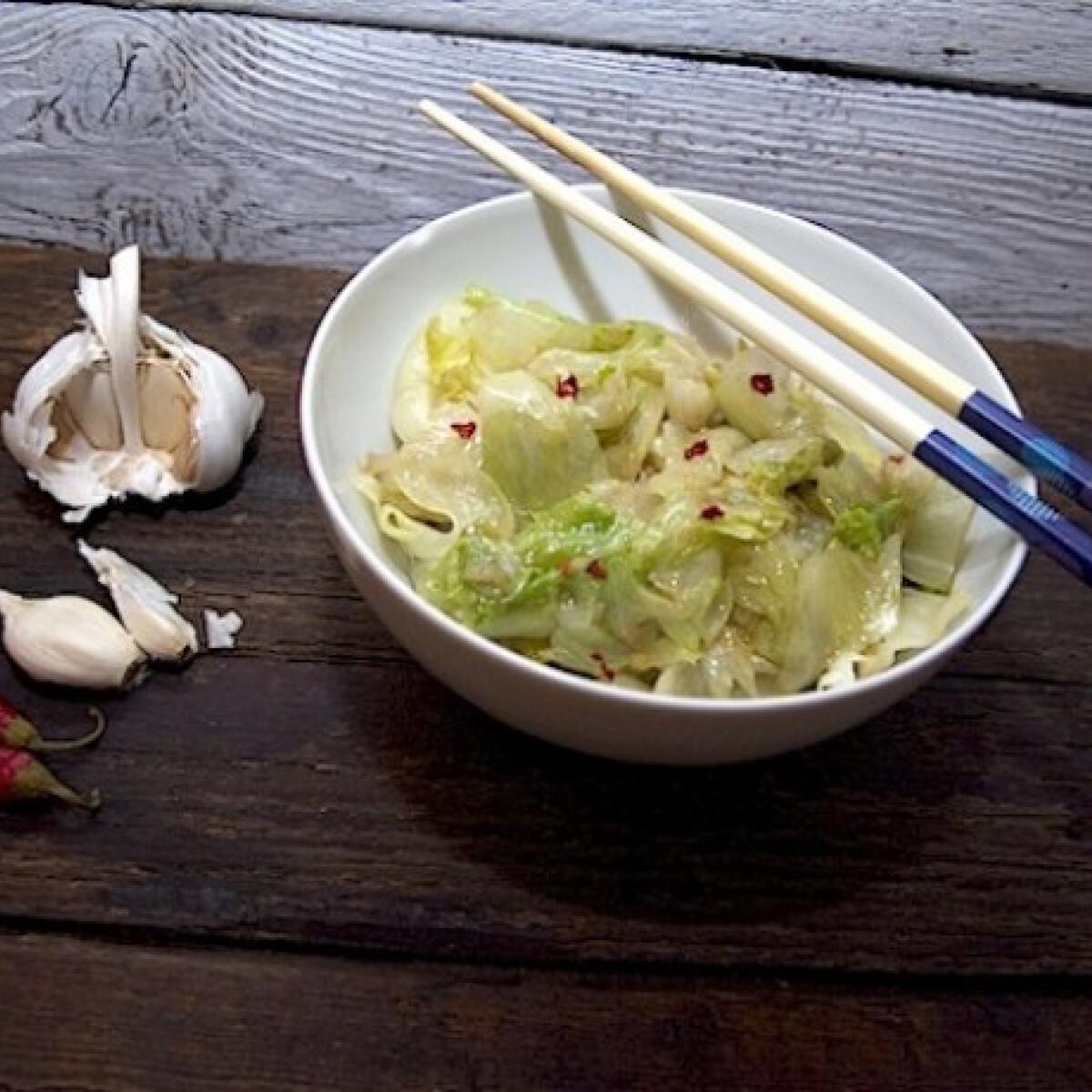 Ezen a képen: Kínai sült saláta köret