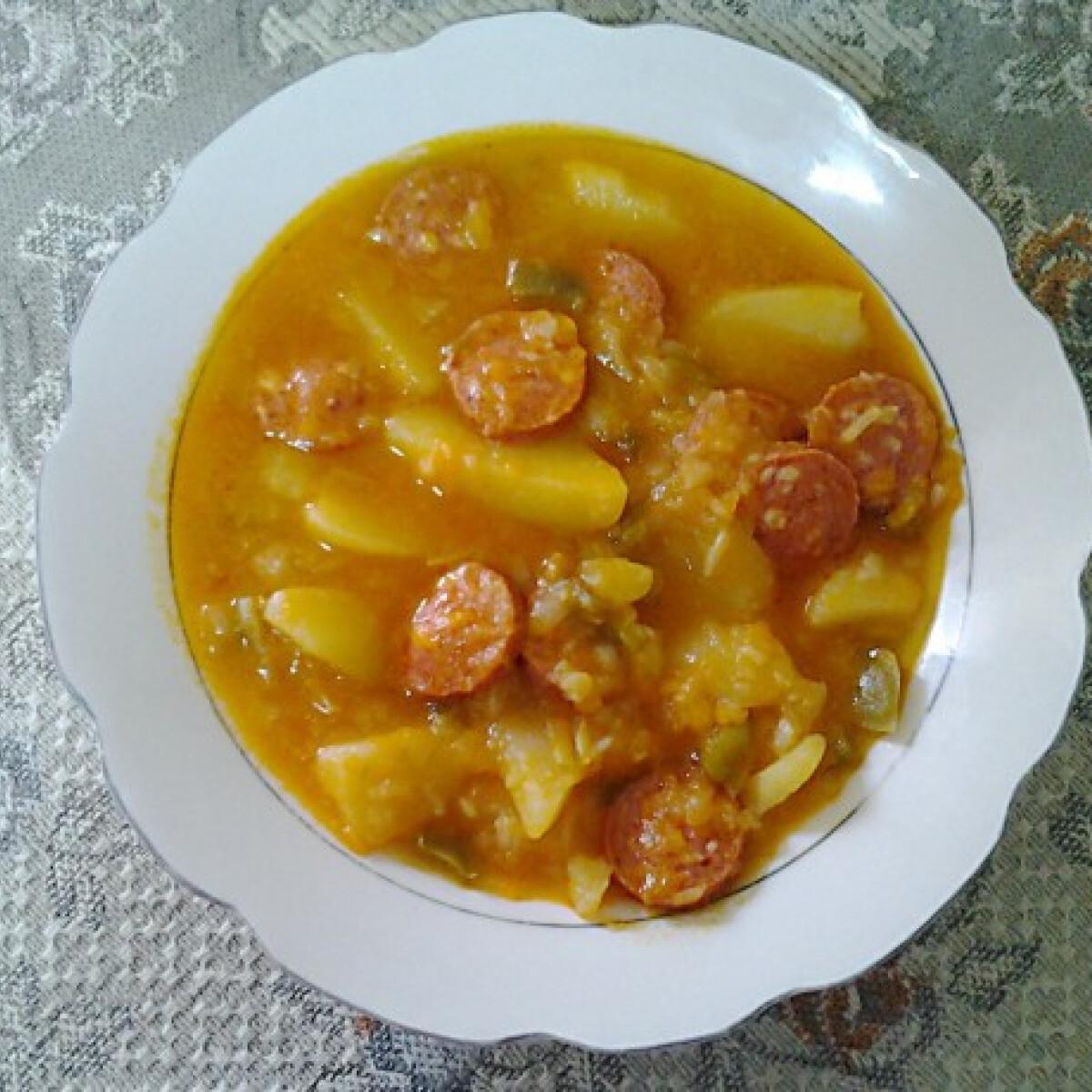 Ezen a képen: Paprikás burgonya Angie konyhájából