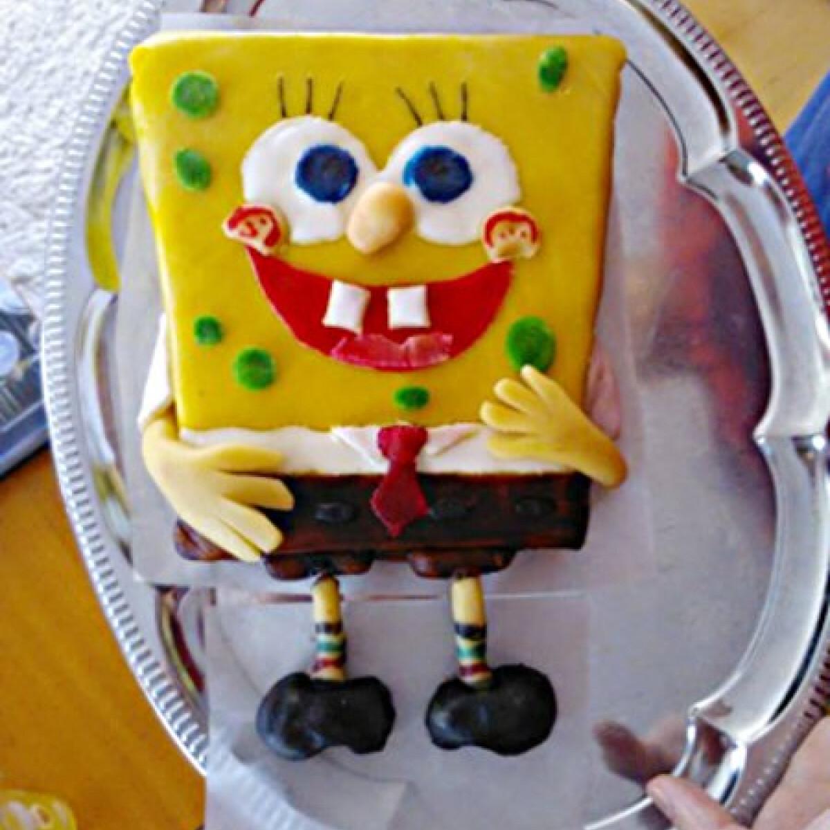 Ezen a képen: Dobos-torta marcipán bevonattal