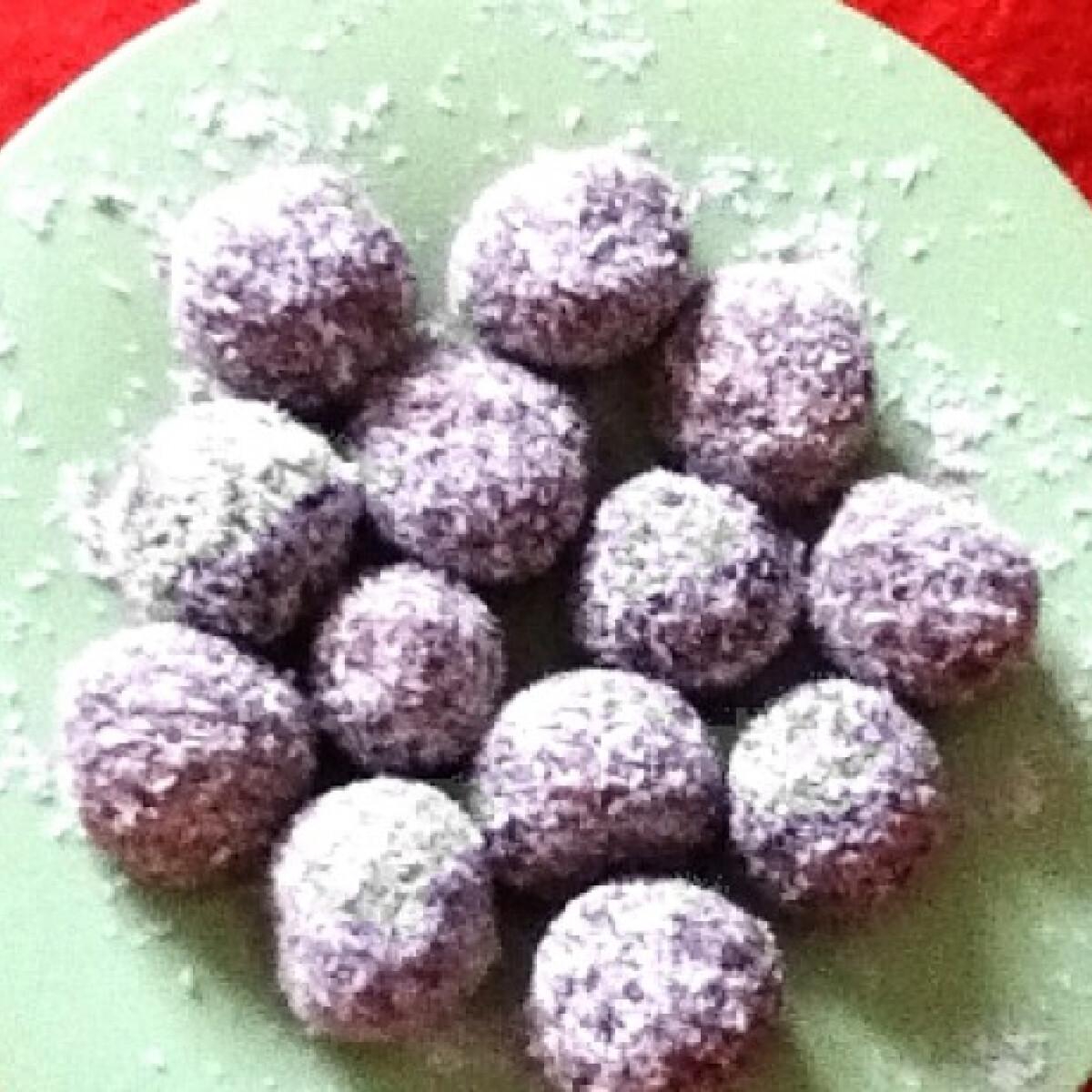 Ezen a képen: Kókuszgolyó annalany konyhájából